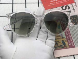 Review chiếc kính râm có độ nữ gọng trong mắt xanh rêu 2 lai giá chỉ 850k